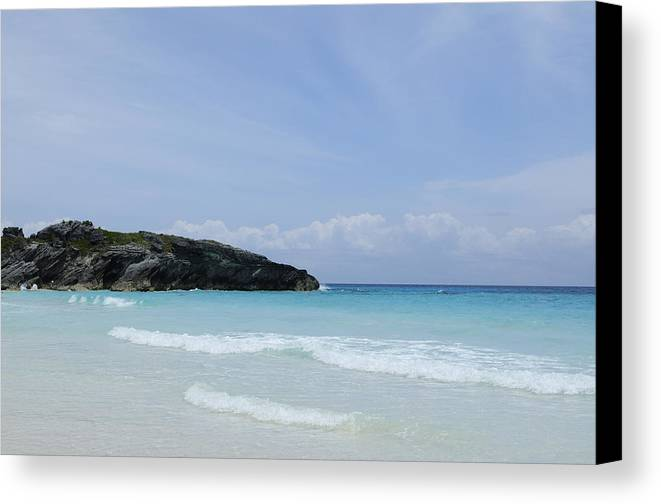 Bermuda Canvas Print featuring the photograph Soak Up The Sun by Luke Moore