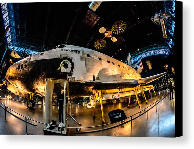 2014 Canvas Print featuring the photograph Space Shuttle Discovery by Randy Scherkenbach