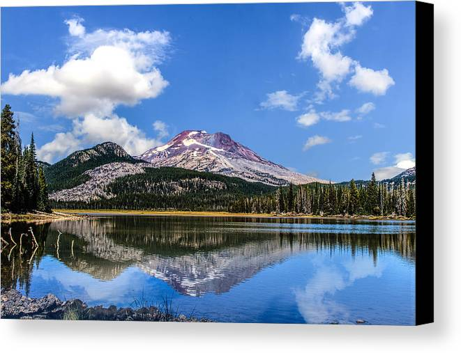 Eagle Crest Canvas Print featuring the photograph Sparks Lake by Leon Roland