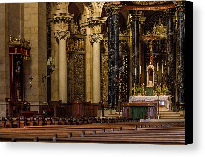 St Paul Cathedral Canvas Print featuring the photograph St Paul Cathedral Interior by Dave Oliver