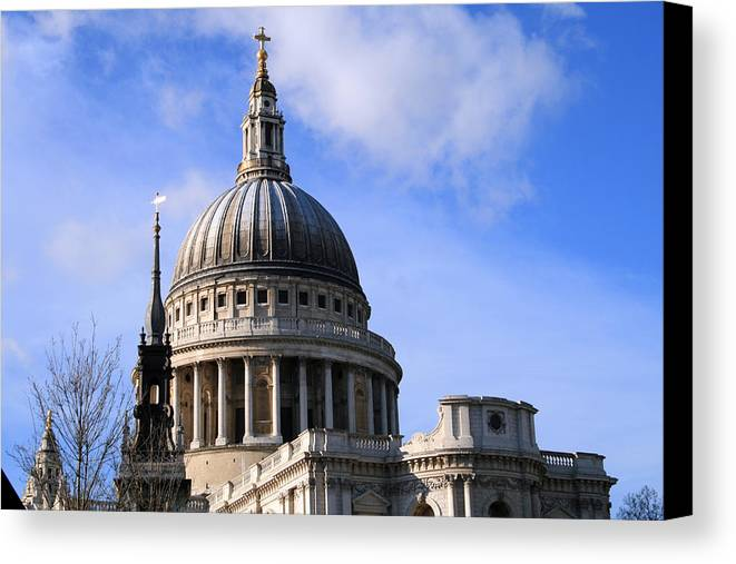 St Paul's Cathedral Canvas Print featuring the photograph St Pauls Cathedral by Susan Leonard