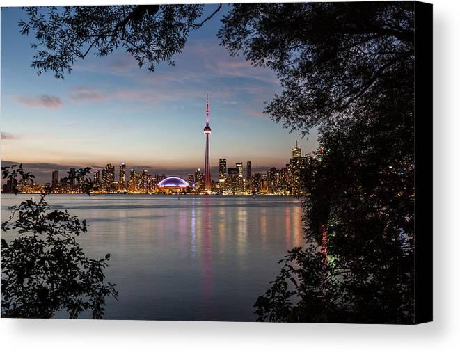 Toronto Canvas Print featuring the photograph Toronto I by Wolfgang Woerndl
