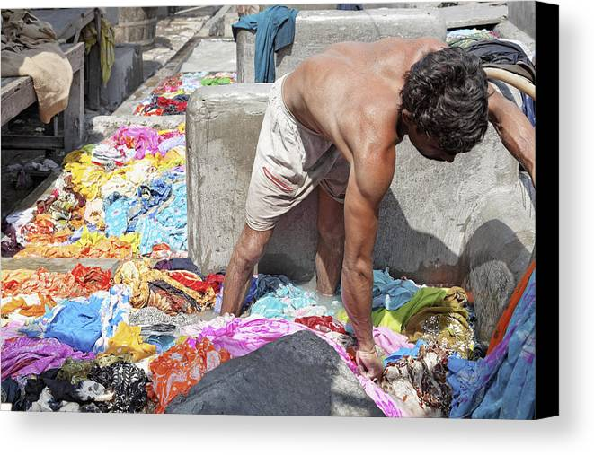 Horizontal Canvas Print featuring the photograph Wadeing Through The Dirty Laundry by Kantilal Patel