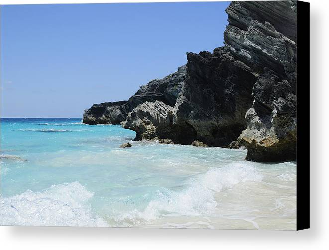 Bermuda Canvas Print featuring the photograph Zen by Luke Moore