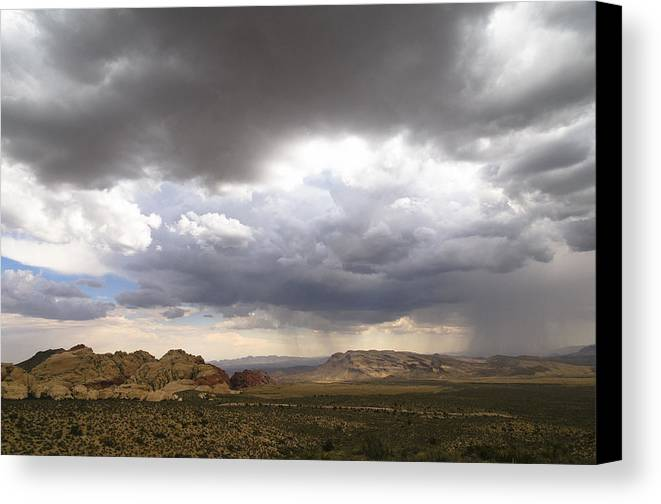 Red Rock Canyon Canvas Print featuring the photograph Red Rock Canyon by Daniel Milligan