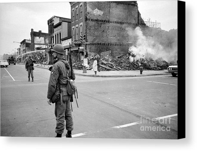 1968 Canvas Print featuring the photograph Washington: Riots, 1968 by Granger