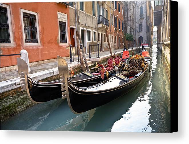 San Marco Canvas Print featuring the photograph Venezia by Joana Kruse