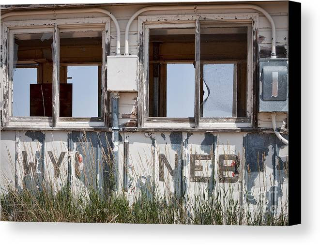Abandoned Canvas Print featuring the photograph Abandoned On State Line by Lawrence Burry