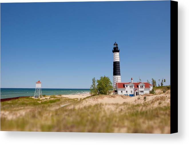 Horizontal Canvas Print featuring the photograph Big Daddy by Rudy Malmquist