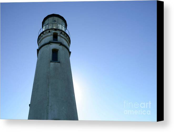 Pacific Ocean Canvas Print featuring the photograph Cape Blanco Light 2 by Bob Christopher