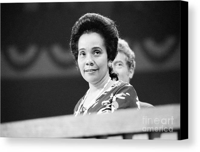 1976 Canvas Print featuring the photograph Coretta Scott King by Granger