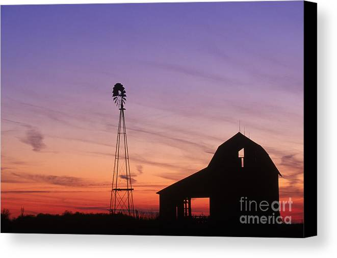 Farm Canvas Print featuring the photograph Farm At Sunset by David Davis and Photo Researchers