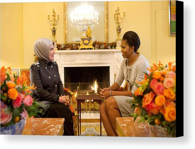 History Canvas Print featuring the photograph First Lady Michelle Obama Meets by Everett