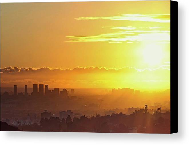 Horizontal Canvas Print featuring the photograph Golden Horizon At Sunset, Los Angeles by Eric Lo