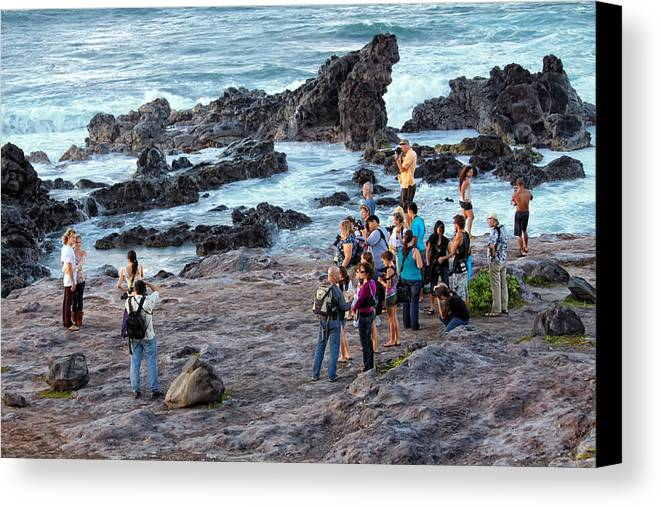 Couple Canvas Print featuring the photograph Hookipa Photo Shoot by Dawn Eshelman
