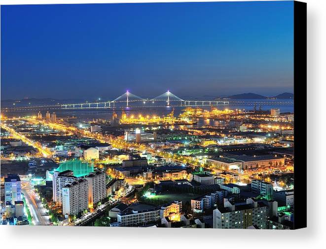 Horizontal Canvas Print featuring the photograph Incheon City by Tokism