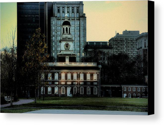 Independence Hall Canvas Print featuring the photograph Independence Hall - The Cradle Of Liberty by Bill Cannon