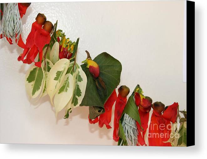 Lei Canvas Print featuring the photograph Leaf Me by Bruce Borthwick