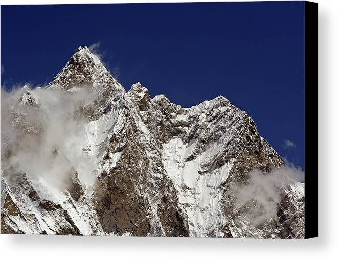 Horizontal Canvas Print featuring the photograph Lhotse And Lhotse Sar by Pal Teravagimov Photography