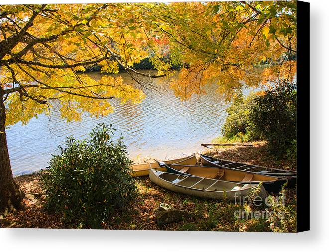 Fall Canvas Print featuring the photograph Lunch Break by Brenda Combs