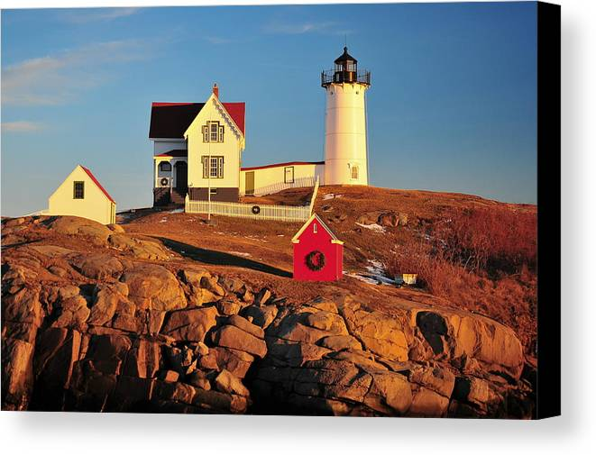 Cape Neddick Lighthouse Canvas Print featuring the photograph Nubble Light Sunset by Catherine Reusch Daley
