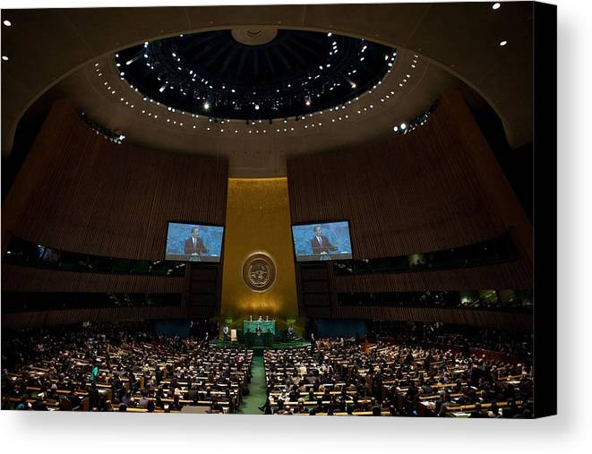 History Canvas Print featuring the photograph President Obama Addresses The Un by Everett