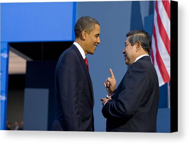 History Canvas Print featuring the photograph President Obama Talks With Indonesian by Everett