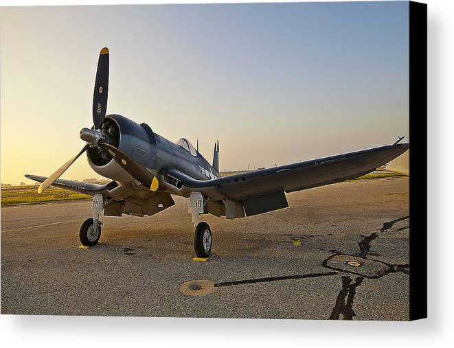 Air Plane Canvas Print featuring the photograph Refine 799 by Dennis Hofelich