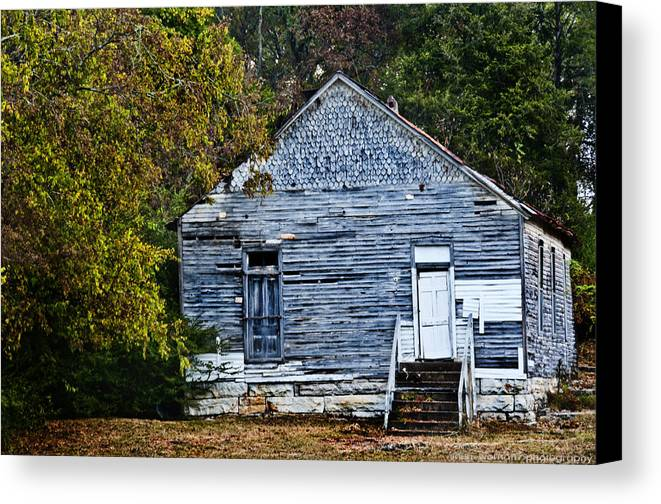 Barn Canvas Print featuring the photograph Rustic Abode by Sheri Bartoszek