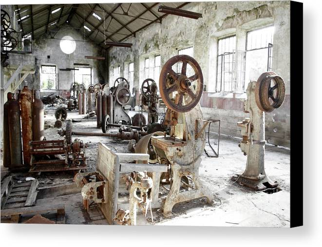 Abandoned Canvas Print featuring the photograph Rusty Machinery by Carlos Caetano