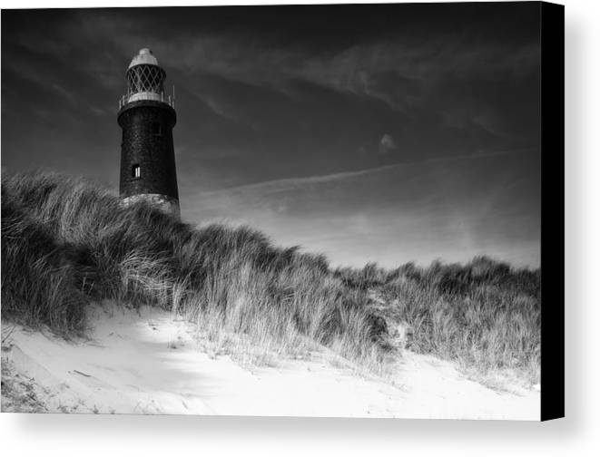 East Yorkshire Canvas Print featuring the photograph Spurn Point Landscape by Richard Matthews