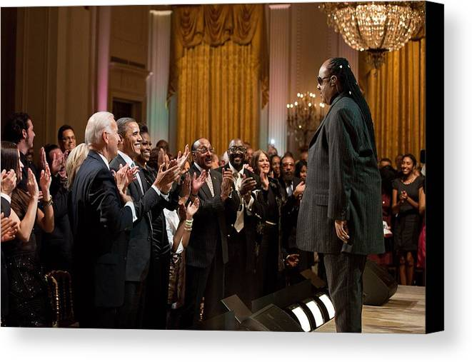 History Canvas Print featuring the photograph Stevie Wonder Receives A Standing by Everett