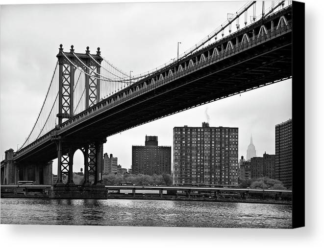 Horizontal Canvas Print featuring the photograph The Manhattan Bridge In New York City. by Weygan Randolph Mayes