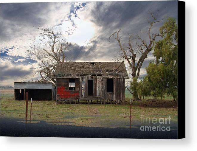 Dream Canvas Print featuring the photograph The Old Farm House In My Dreams by Wingsdomain Art and Photography