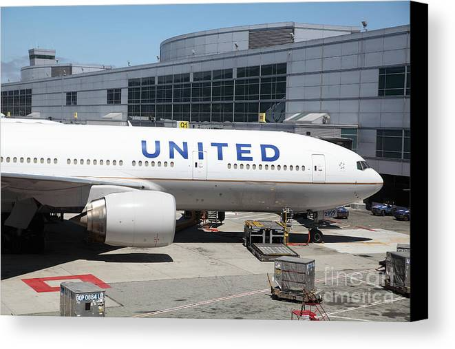 Transportation Canvas Print featuring the photograph United Airlines Jet Airplane At San Francisco Sfo International Airport - 5d17109 by Wingsdomain Art and Photography