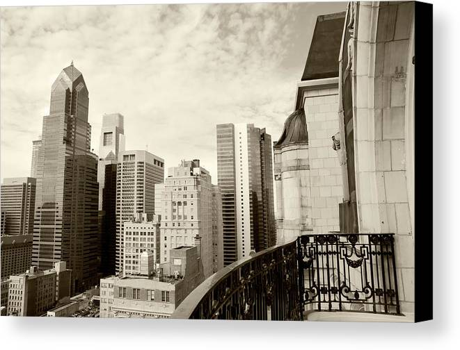 Horizontal Canvas Print featuring the photograph Urban Jungle In Monochrome by Travelif