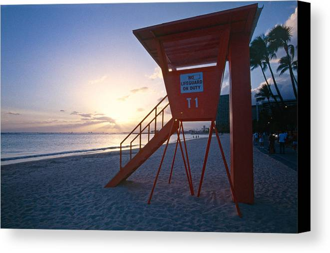Beach Canvas Print featuring the photograph Lifeguard Hut On Waikiki Beach At Sunset by George Oze