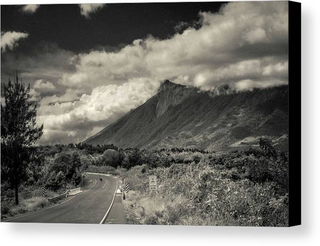 Antigua Guatemala Canvas Print featuring the photograph Bnw Volcan De Fuego - Sacatepequez by Totto Ponce