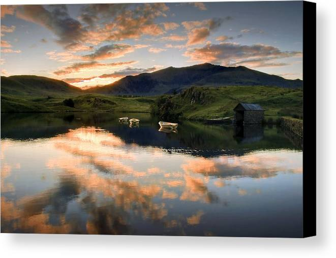 Wales Canvas Print featuring the photograph Snowdon Sunrise by Richard Outram