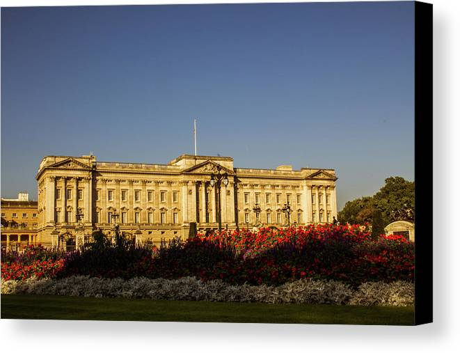 Buckingham Canvas Print featuring the photograph Buckingham Palace. by Nigel Dudson