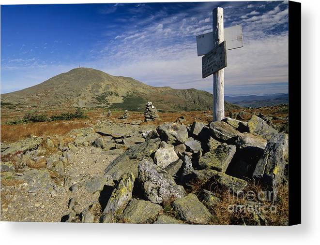 Mount Washington Canvas Print featuring the photograph Mount Washington - White Mountains New Hampshire Usa by Erin Paul Donovan