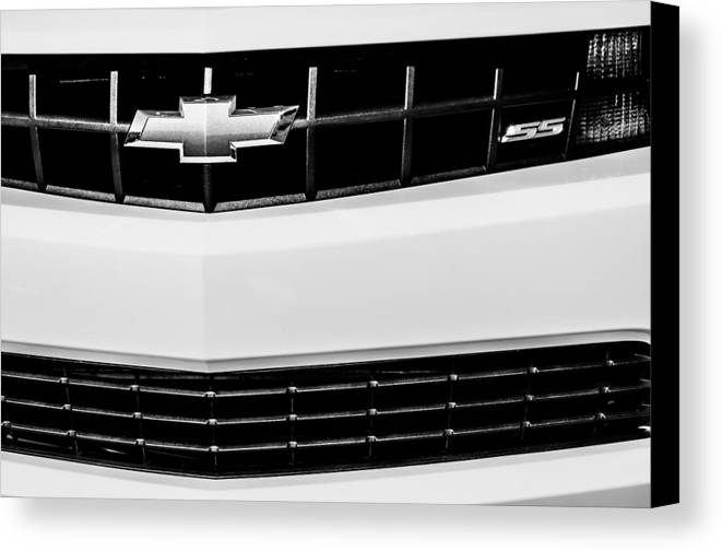 2010 Chevrolet Nickey Camaro Ss Grille Emblem Canvas Print featuring the photograph 2010 Chevrolet Nickey Camaro Ss Grille Emblem -0078bw by Jill Reger