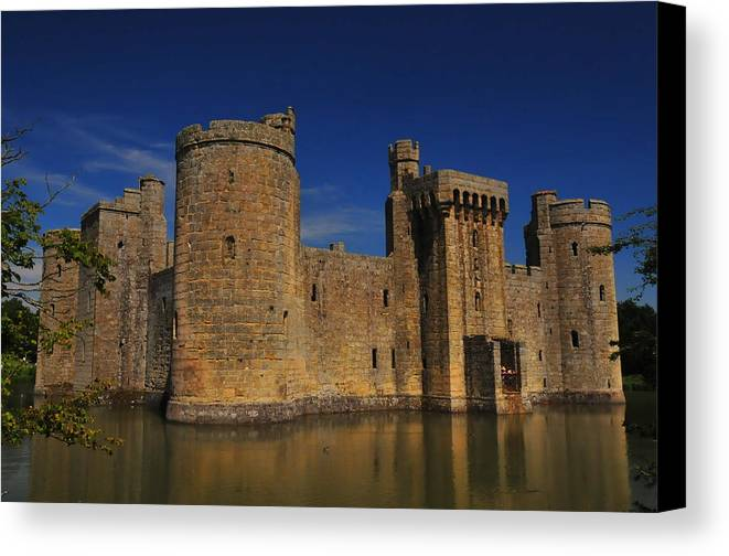 Bodium Castle Canvas Print featuring the photograph Bodium Castle Sussex by Chris Pickett