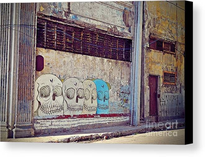 Havana Canvas Print featuring the photograph Havana Cuba by Chris Andruskiewicz