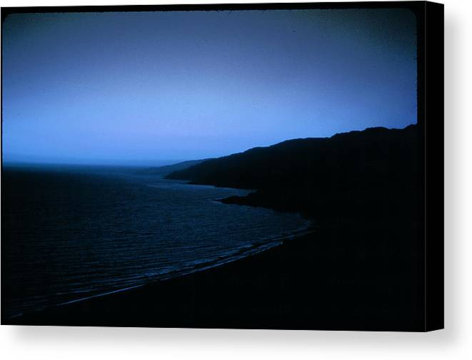 Canvas Print featuring the photograph Another Day Light by Robert Larson