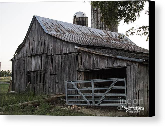 Canvas Print featuring the photograph Antique Barn by Thomas Ford