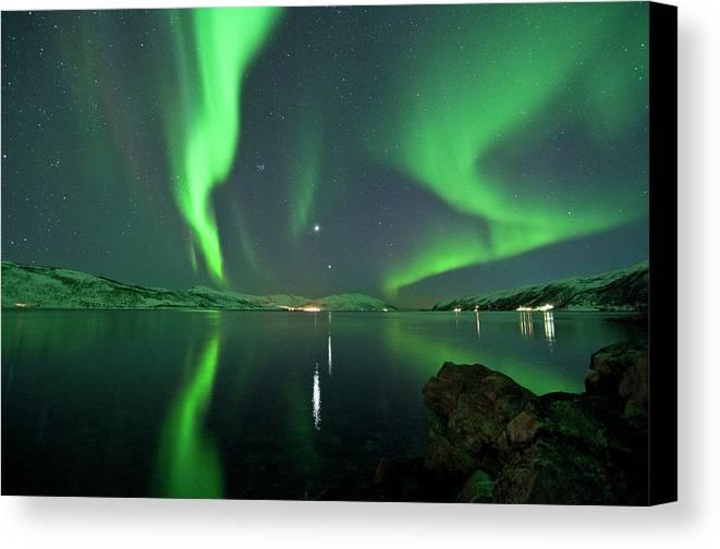 Horizontal Canvas Print featuring the photograph Aurora Borealis by Bernt Olsen