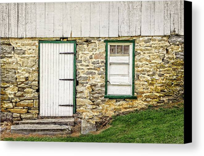 Frank J Benz Canvas Print featuring the photograph Back Entrance To An 1803 Amish Corn Barn - 1803pacornbarn172779 by Frank J Benz