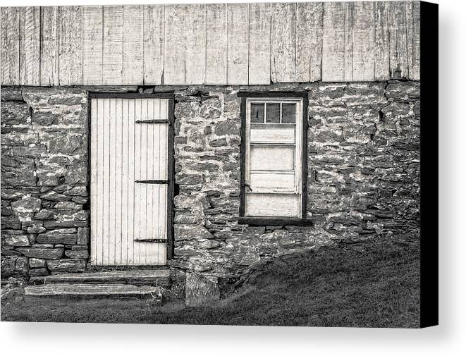 Frank J Benz Canvas Print featuring the photograph Back Entrance To An 1803 Amish Corn Barn - 1803pacornbarnblwh172779 by Frank J Benz