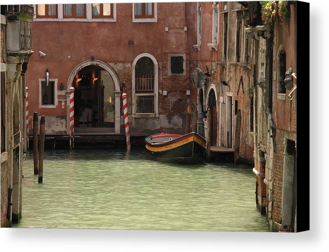 Venice Canvas Print featuring the photograph Basin In Venice by Michael Henderson